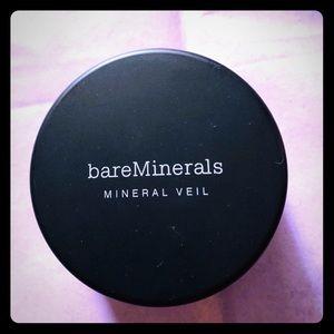 bareMineral illuminating Mineral Veil